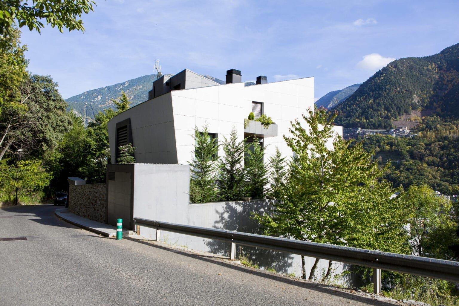 xalet-construir-per-mesa-andorra-treballs-publics-1536x1024-min (1)